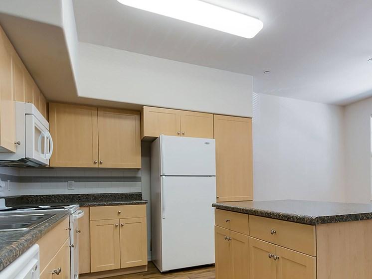 Apartment kitchen-The Symphony Apartments Phoenix, AZ