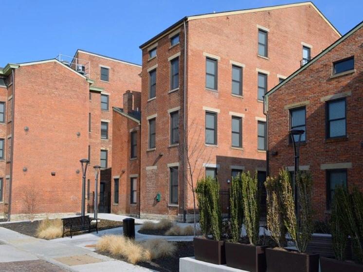 Exterior apartment buildings-Mercer Commons Apartments Cincinnati, OH