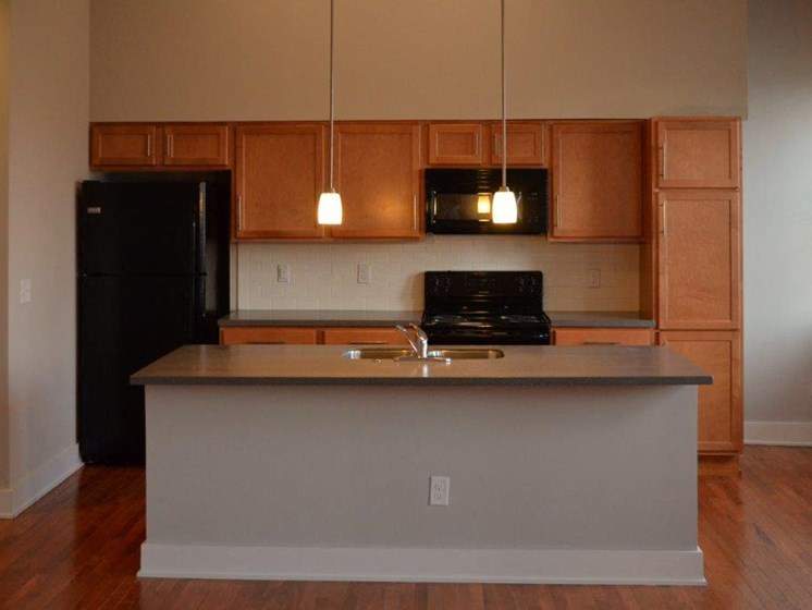 Kitchen island-Mercer Commons Apartments Cincinnati, OH