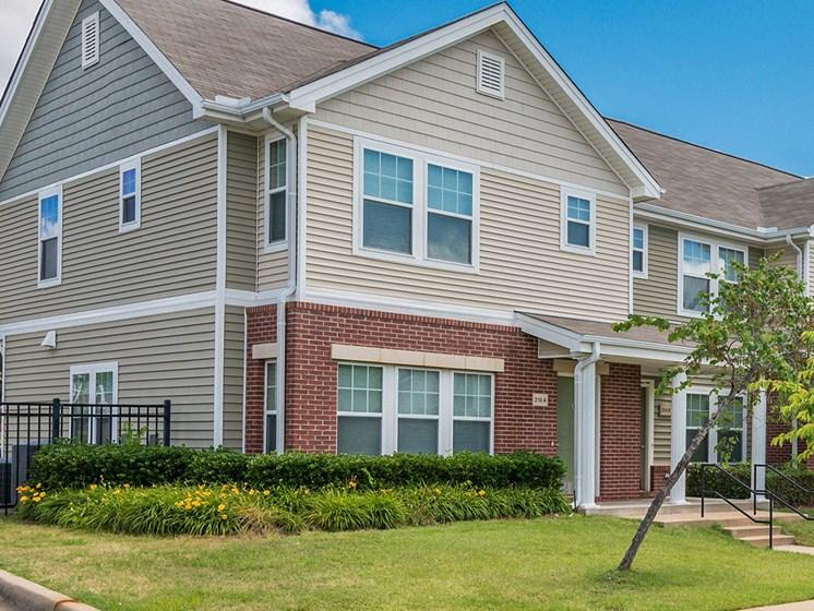 Apartment building exterior corner view-Metropolitan Village and Cumberland Manor Apartments, Little Rock, AR