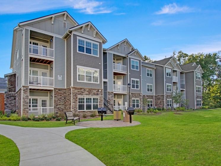 Building Exterior at York Woods at Lake Murray Apartment Homes, Columbia, 29212