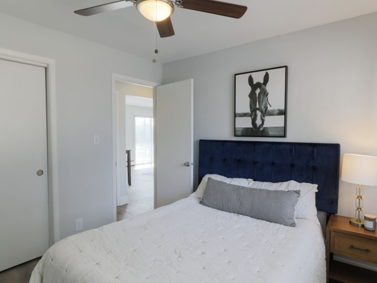 Riverview apartment homes bedroom