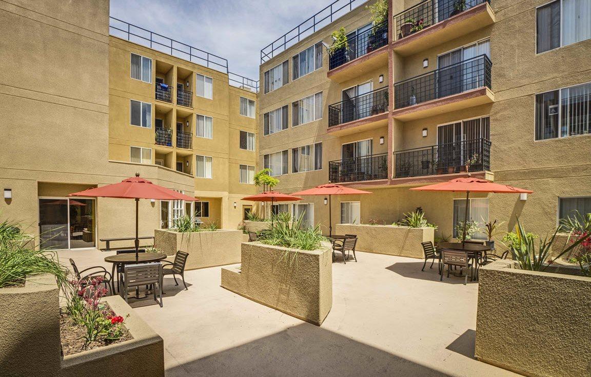 Huntington Plaza Courtyard