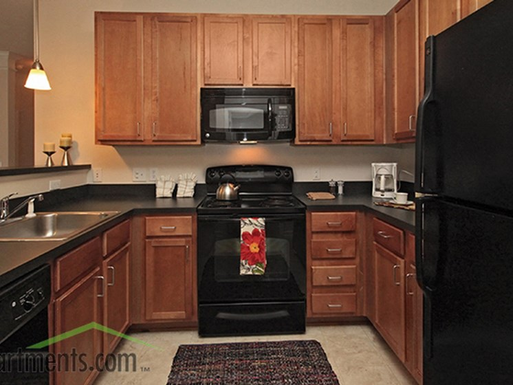 Classic Kitchen Design at Abberly Crest Apartment Homes by HHHunt, Lexington Park, MD
