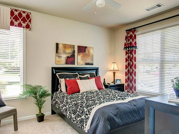 Apartment Master Bedroom at Abberly Crest Apartment Homes by HHHunt, Lexington Park, 20653