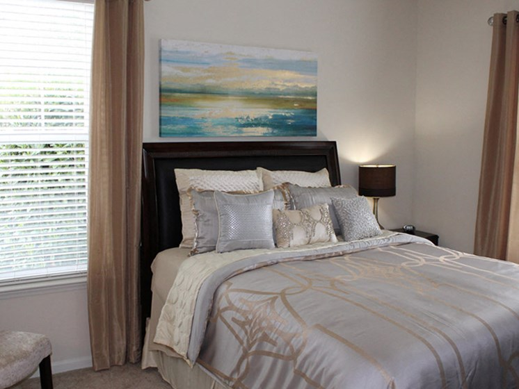 Apartment Master Bedroom at Abberly Crest Apartment Homes by HHHunt, Lexington Park