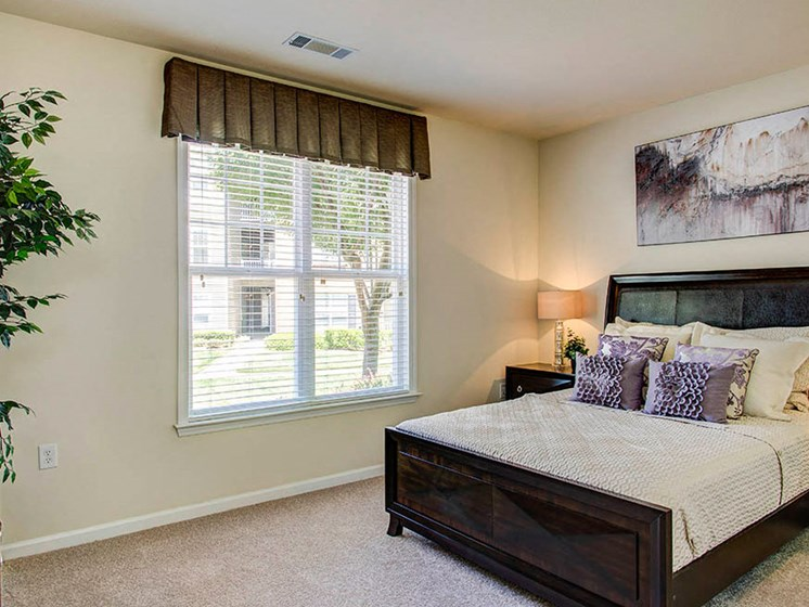 Classic Living Room Design at Abberly Crest Apartment Homes by HHHunt, Maryland