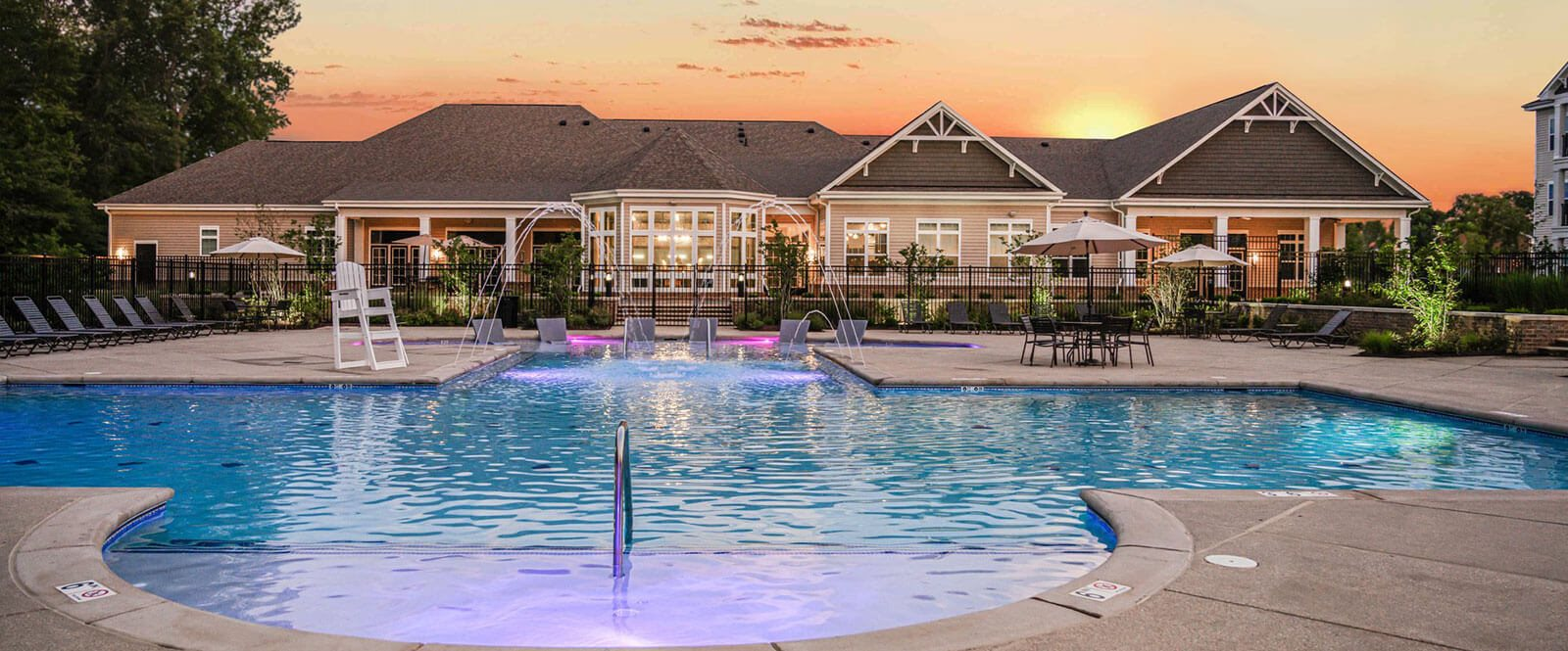 Private Pool with Relaxing Area at Abberly Square Apartment Homes, Maryland