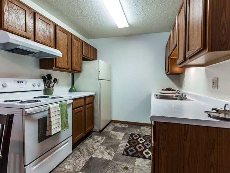 Autumn Apartments | 2 Bedroom | Kitchen