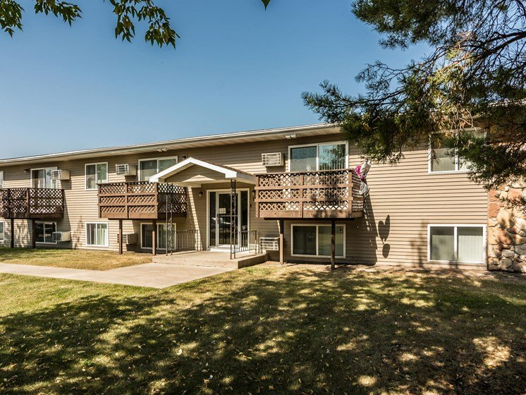 Autumn Apartments | Grand Forks, ND