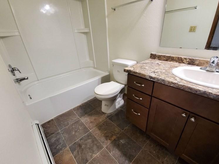 Brookfield Apartments | Bathroom