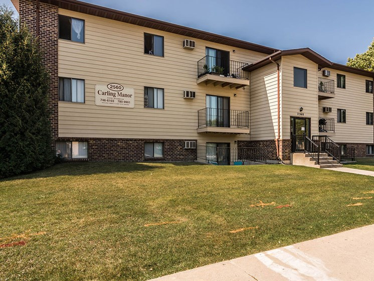 Carling Manor Apartments | Grand Forks, ND