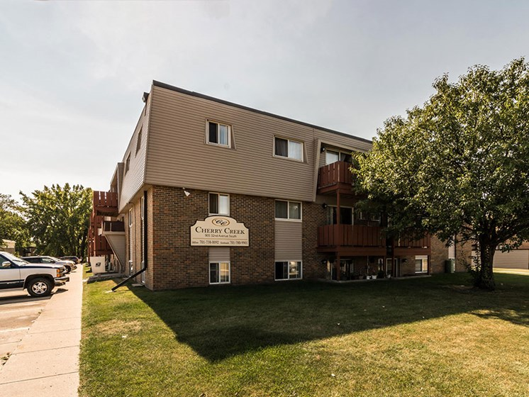 Cherry Creek Apartments | Grand Forks, ND