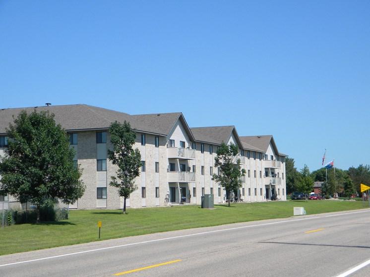 Deer Park Apartments   Hutchinson, MN