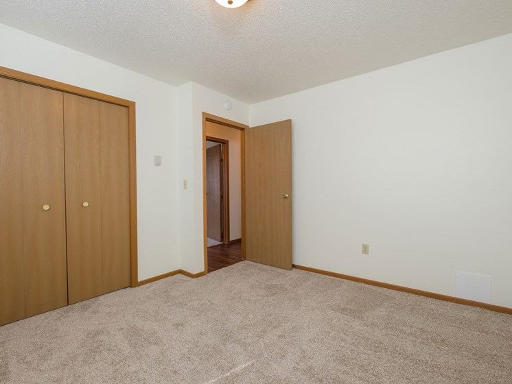 Hunters Run Apartments   2 Bedroom-302   Bedroom