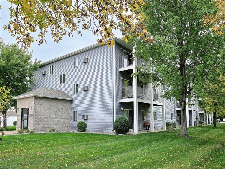 Flagstone Apartments | Fargo, ND