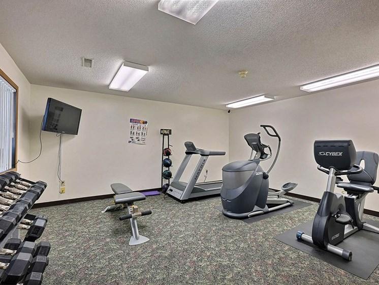 Prairiewood Meadows Apartments   Fitness Room