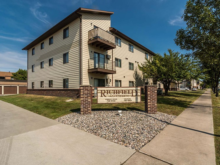 Richfield Apartments | Grand Forks, ND