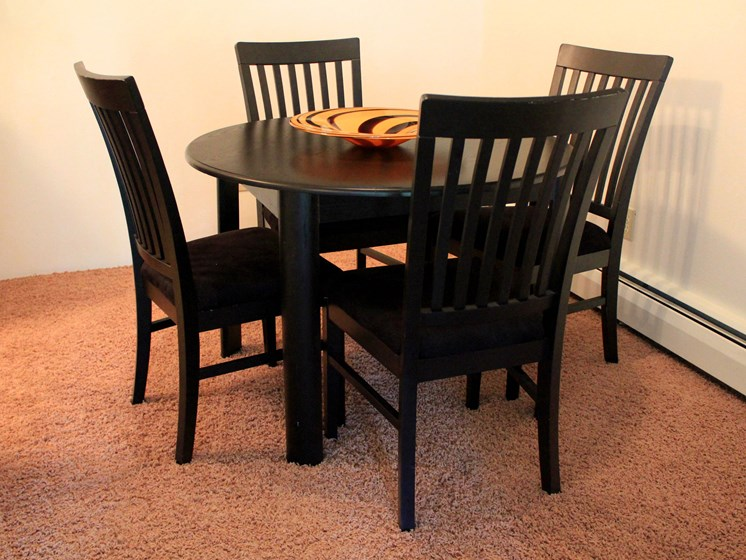 Rosedale Apartments | Dining