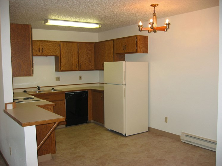 Sheridan Pointe Apartments   2 Bedroom 2 Bath   Kitchen