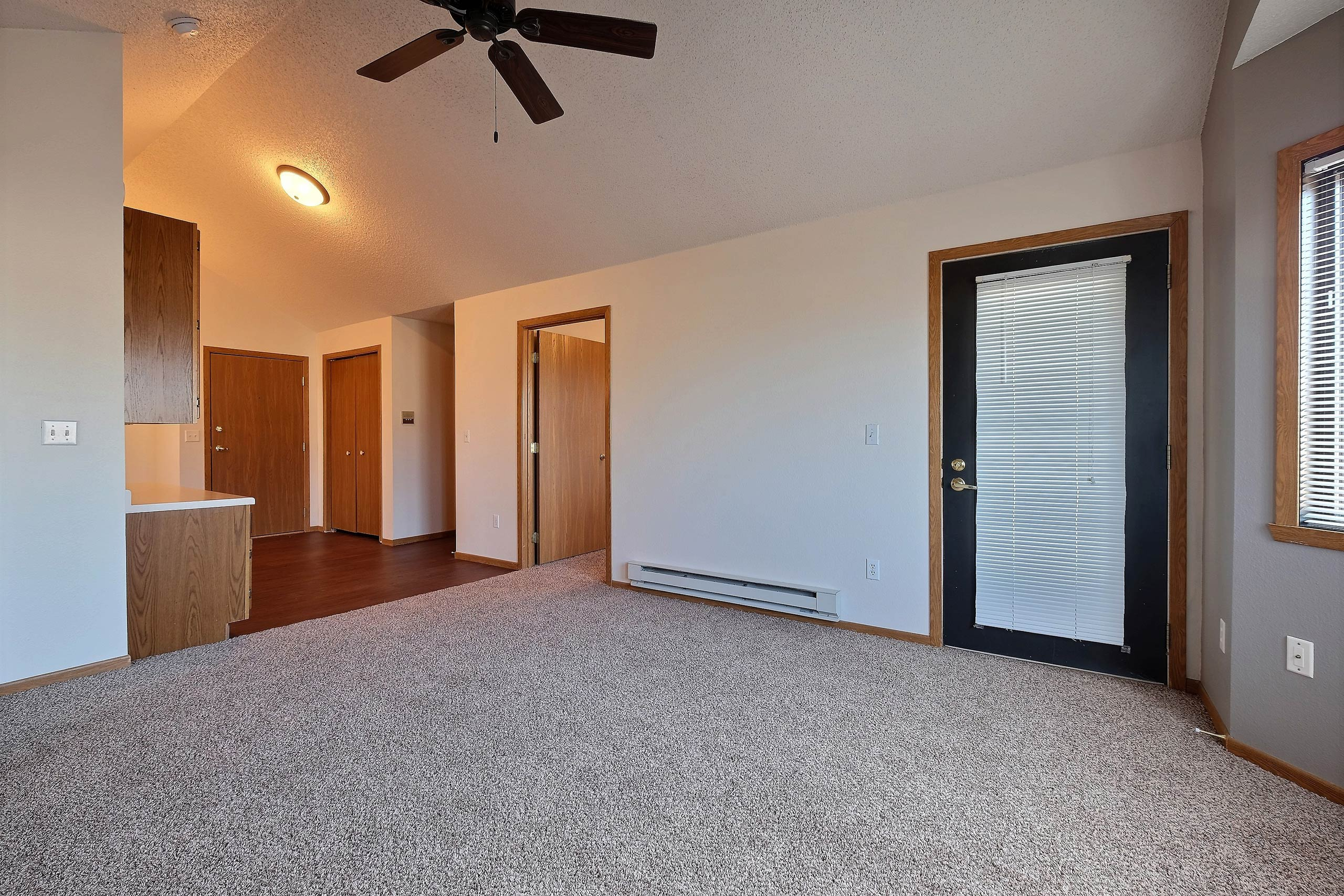 Somerset Apartments | Living Room