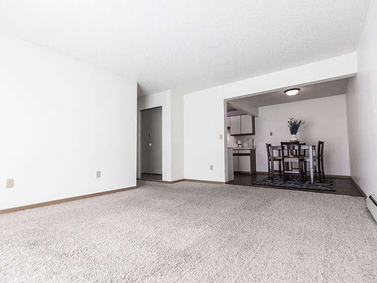 Sunview Apartments | Living Room