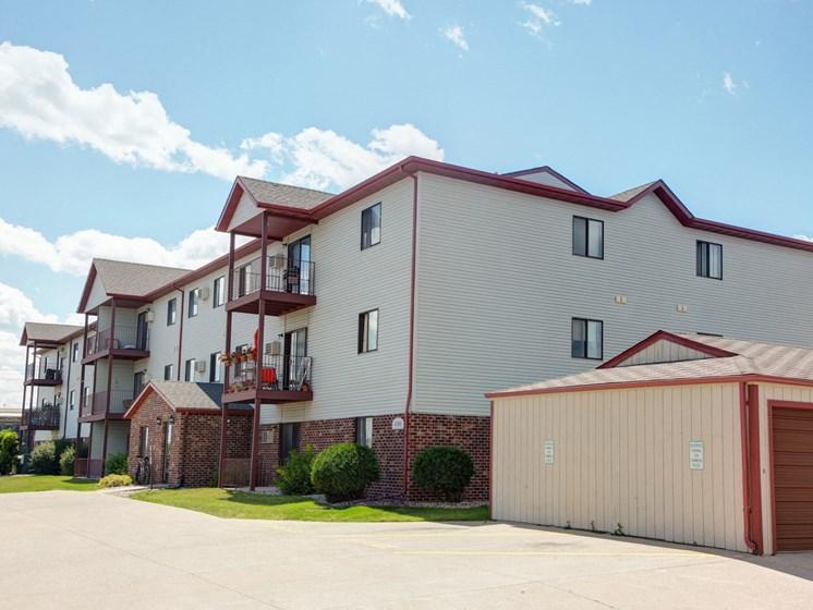 Sunwood Apartments | Fargo, ND