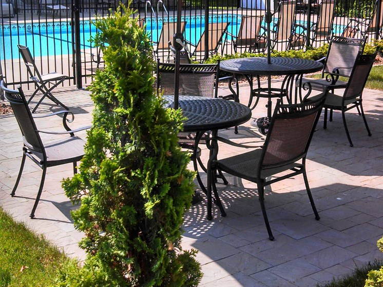 Valley View Apartments | Patio