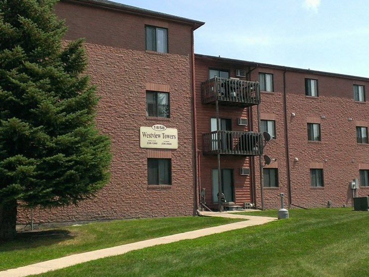 Westview Towers Apartments   Fargo, ND
