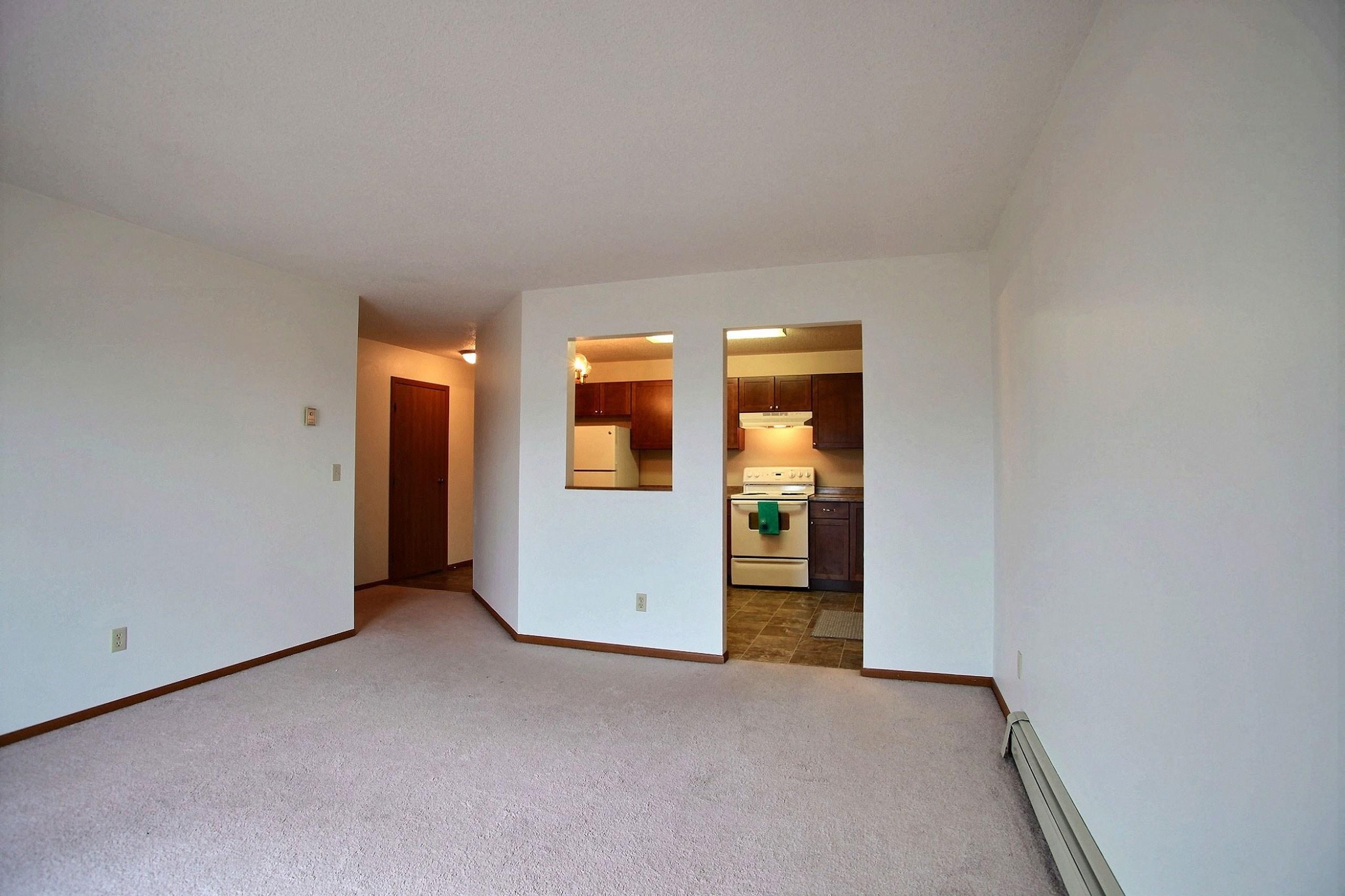 Westwood Estates Apartments | 2 Bdrm-Lvng Rm-Plan C
