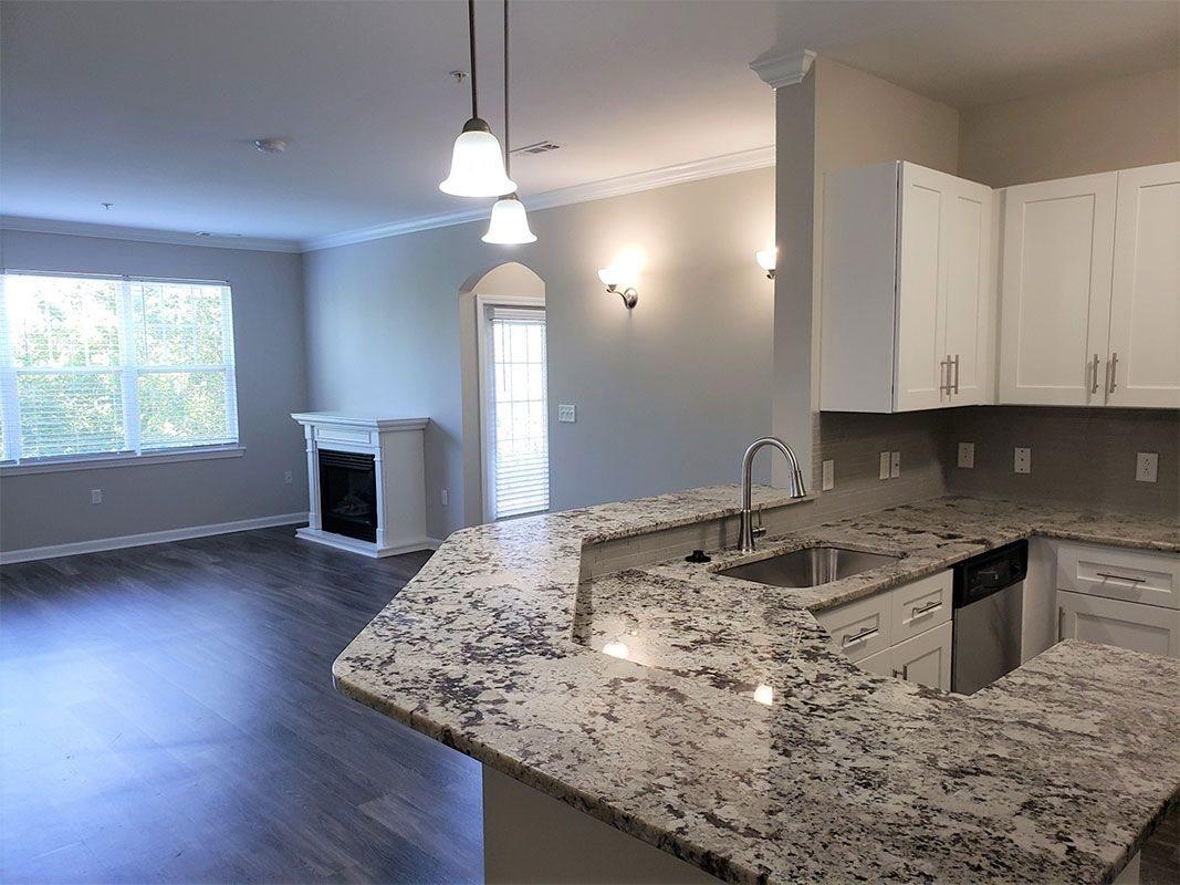 Grandeville-at-Greenwich-Apartment-Kitchen-06
