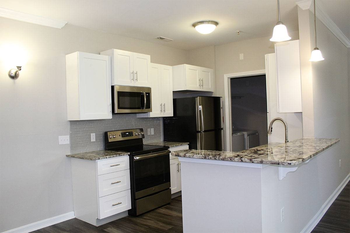 Grandeville-at-Greenwich-Apartment-Kitchen-01