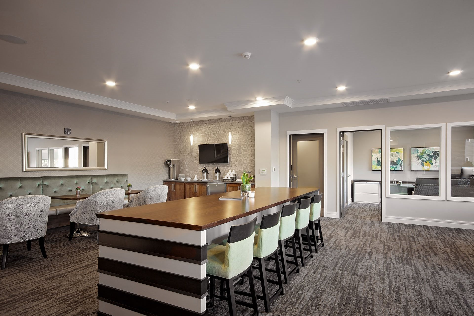 Portera at the Grove_Wilsonville  Inviting lobby with plenty of seating