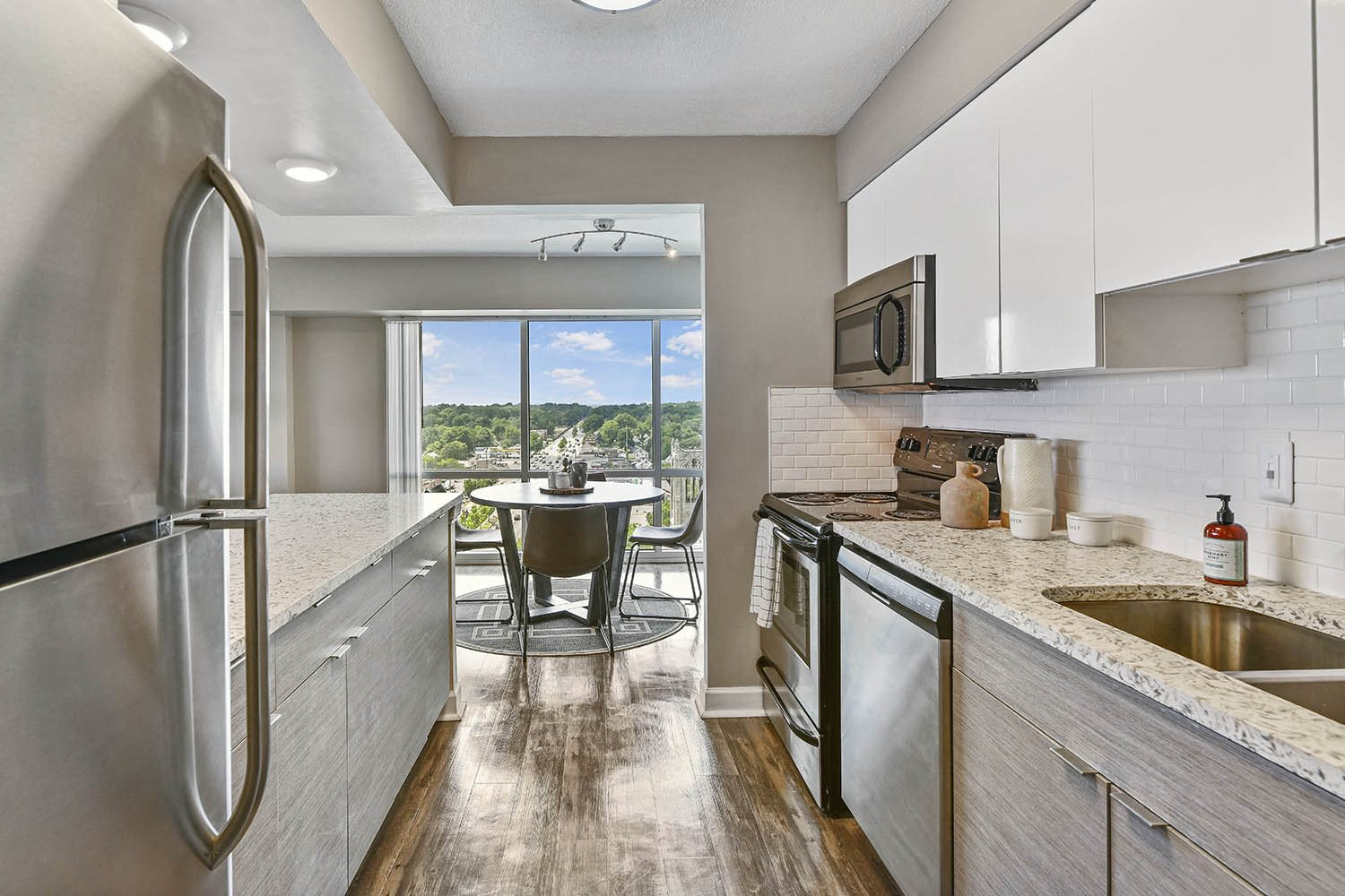 Stainless Steel Appliances at CityView on Meridian, Indianapolis