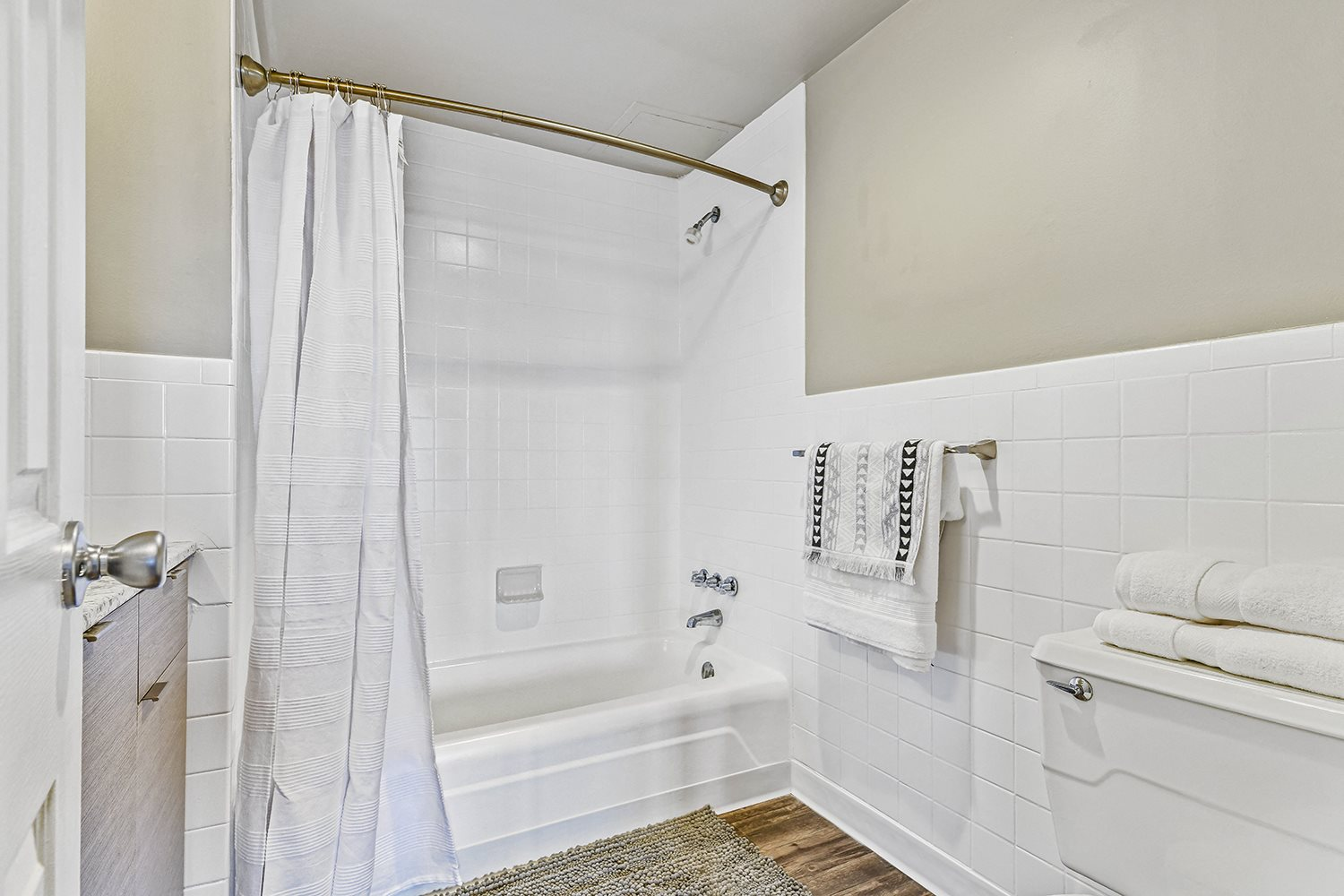 Large Soaking Tub In Master Bathroom with A Tile Surround at CityView on Meridian, Indiana