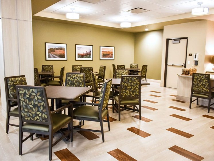 Restaurant Style Dining Room at Westmont of Milpitas, California