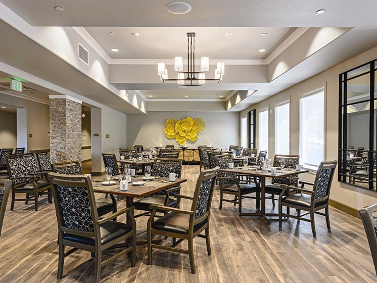 Dining hall with chairs and tables at The Oaks at Paso Robles, California