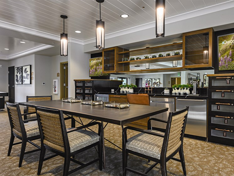 Dine area  at The Oaks at Paso Robles, Paso Robles