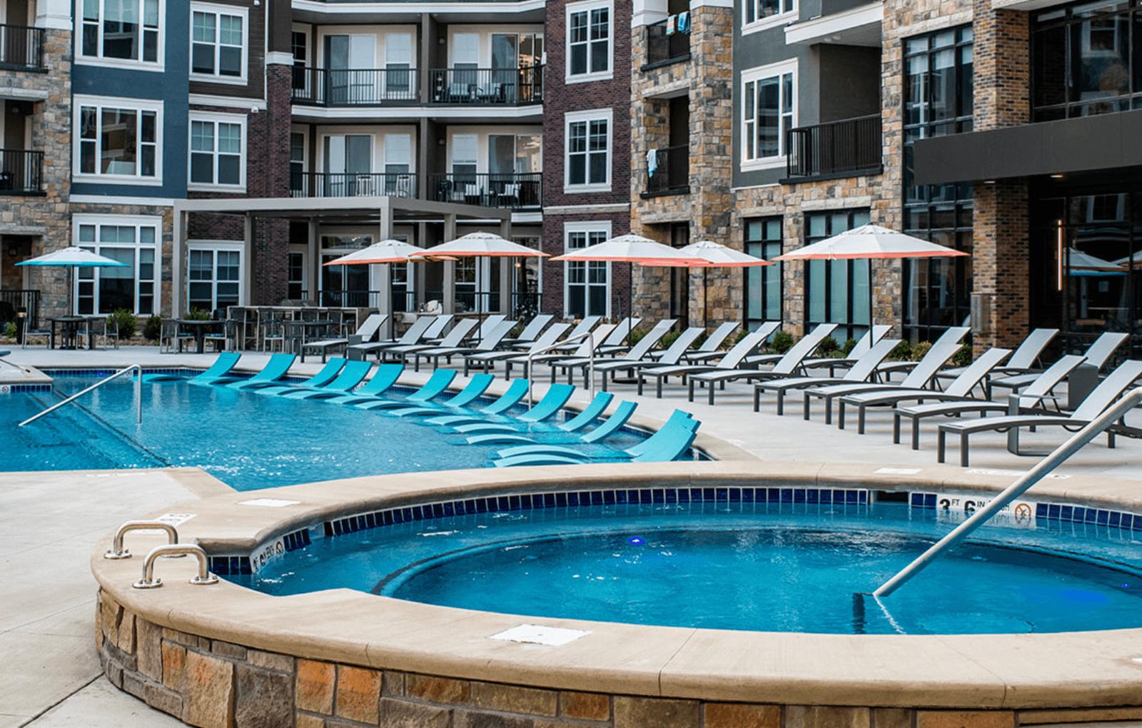 Lenexa Apartment Pool