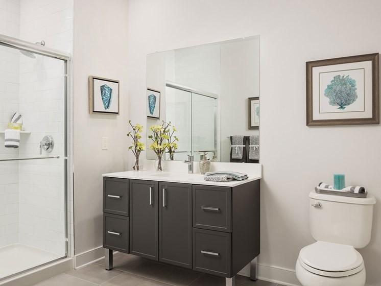 Quin Apartments Bathroom