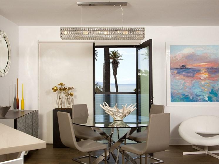 Dining room with ocean views at 301 Ocean Apartments in Santa Monica, CA 90402
