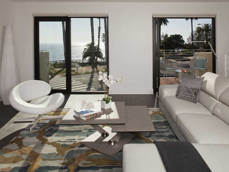 Central Heating and Air Conditioning at 301 Ocean Ave, Santa Monica, CA, 90402