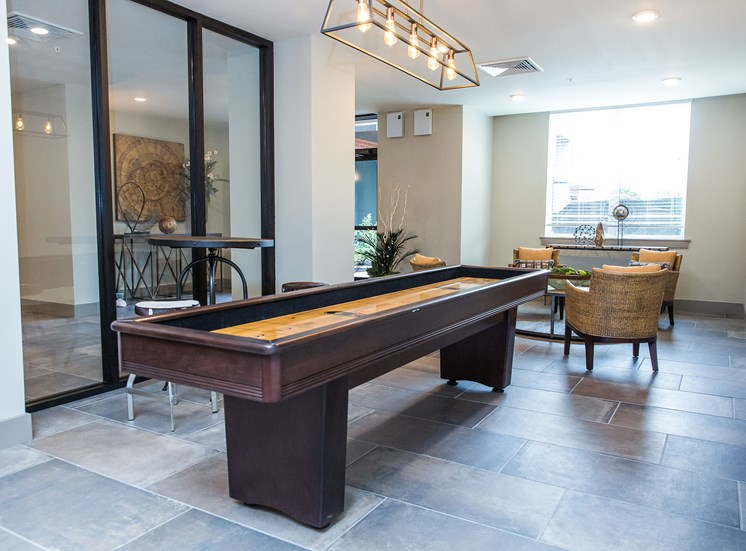 luxe-at-indian-lake-village-clubroom