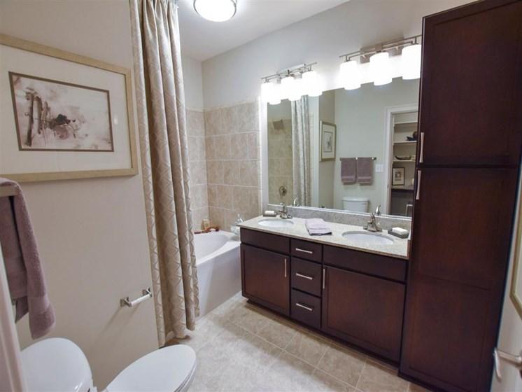 92-west-paces-bathroom