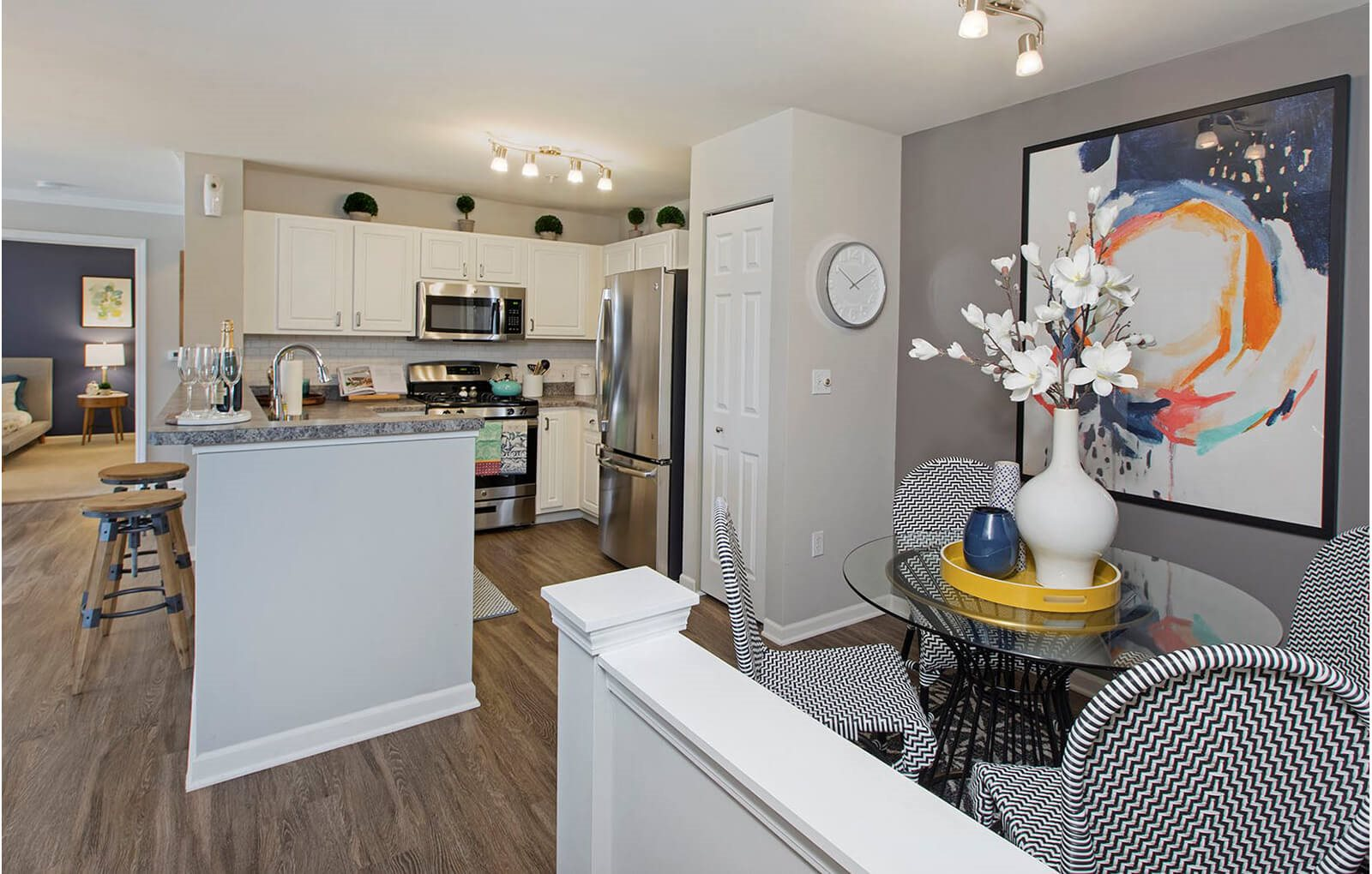 Fully Equipped Eat-In Kitchen at The Villages at Canterfield, West Dundee
