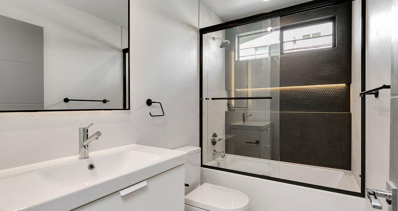 High end bathroom finishes
