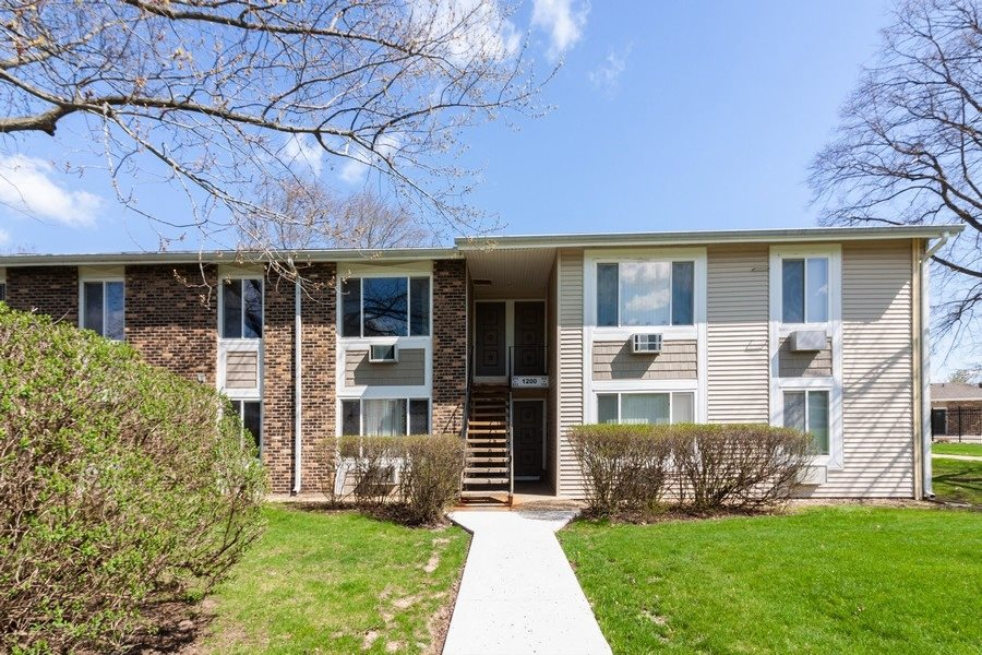 Exterior at Light Road Apartments in Oswego, IL