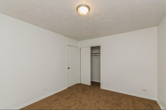 Bedroom of 7940 S Greenwood Ave in Chicago