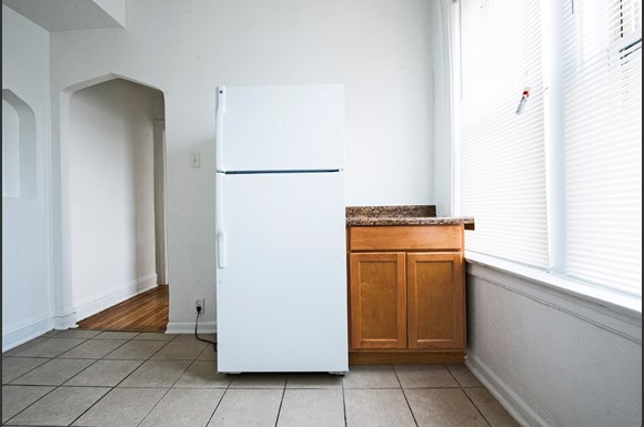 Kitchen of 1108 E 82nd St Apartments in Chicago