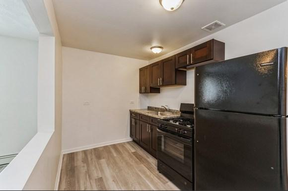 Kitchen of 7948 S Greenwood Ave in Chicago
